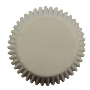 white mini muffin baking cups, 100 pieces.
